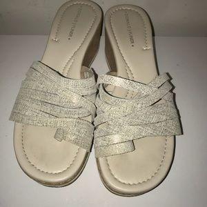 Donald J Pliner platform strappy sandals size 8